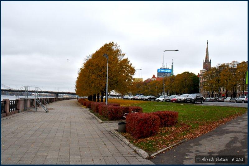 Promenada przy starówce, jesień 2012