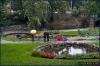 park obok pomnika Wolności