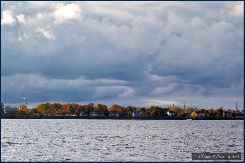 Panorama wyspy Kipsala w Rydze na Dźwinie